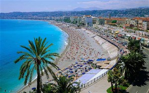 The Promenade des Anglais, or the coast of the Mediterranean Sea, a twenty minute walk from my host mom's apartment and my favorite place in the city.