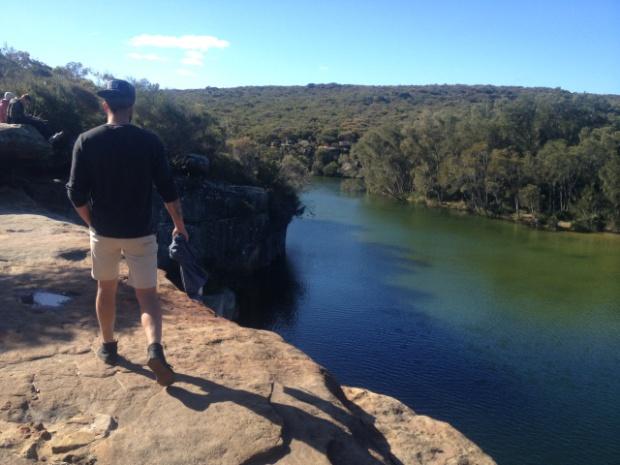 wattamolla laggon cliff